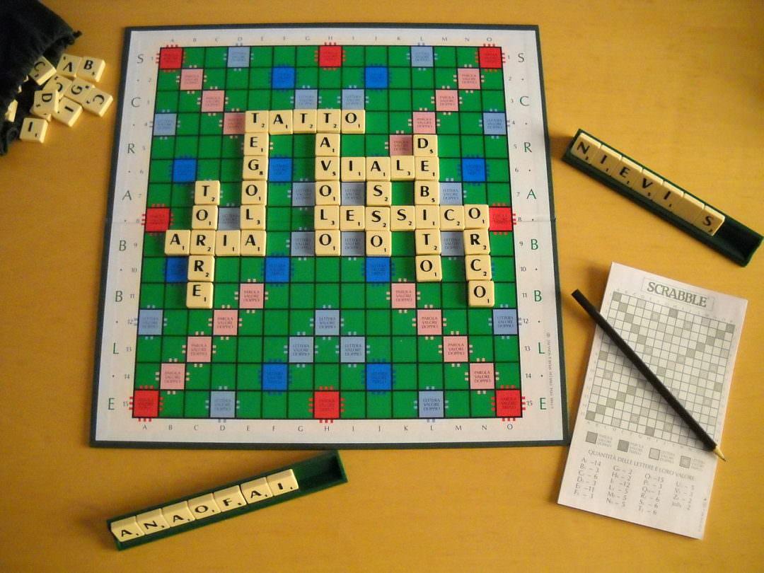 Giochi Briosi - Scarabeo: un gioco di intrecci e di combinazioni